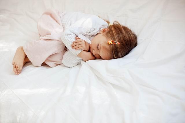 Ребенок во сне истерически плачет thumbnail